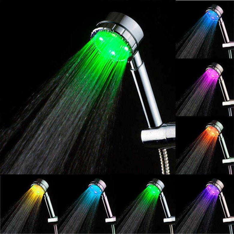 Специальная световая насадка на душ